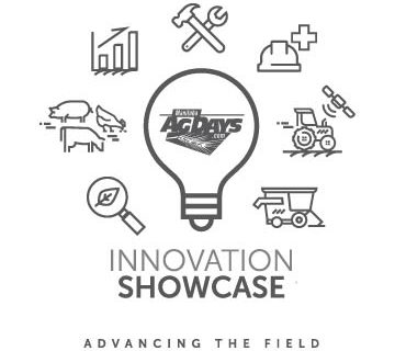 mbagdays_innovationshowcase_largegroup_web